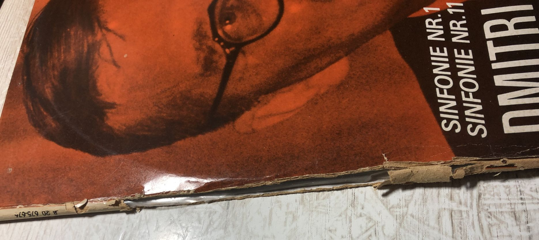 zerrissenes Cover einer Schallplatte